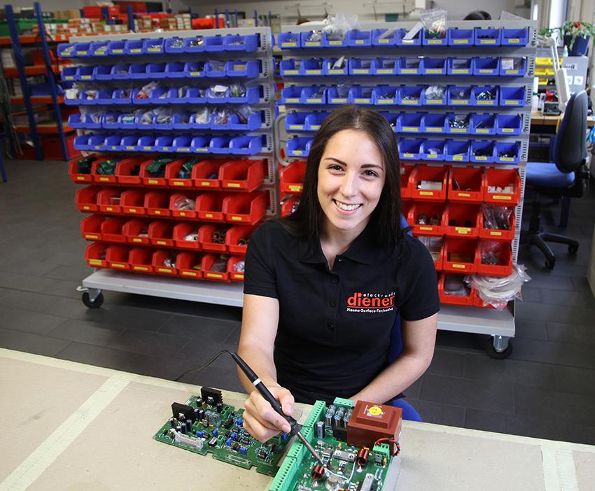 Unsere Auszubildende in der Elektronikabteilung - Diener electronic #Plasma#